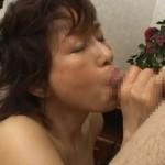 【無修正】里中亜矢子さん(56歳)の絶品フェラがエロ過ぎる初裏動画!